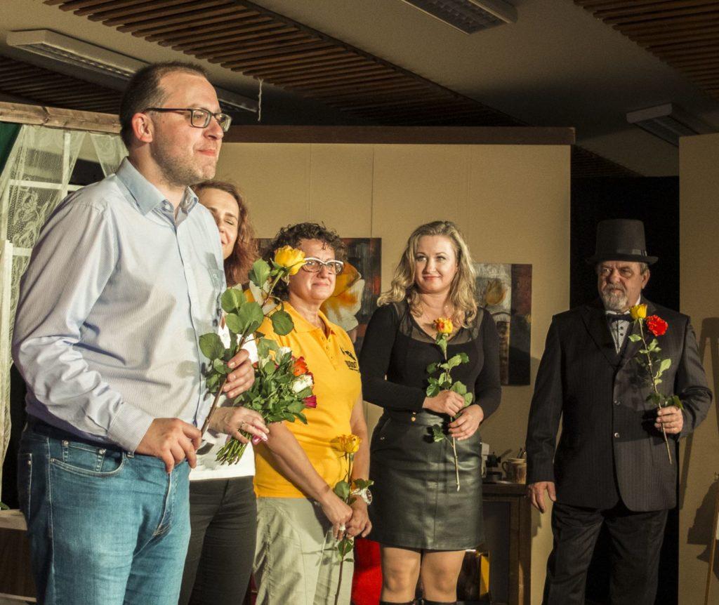 Divadelní představení vřesinských ochotníků Divoch v Dome Zahradkářů ve Vřesině - premiéra.